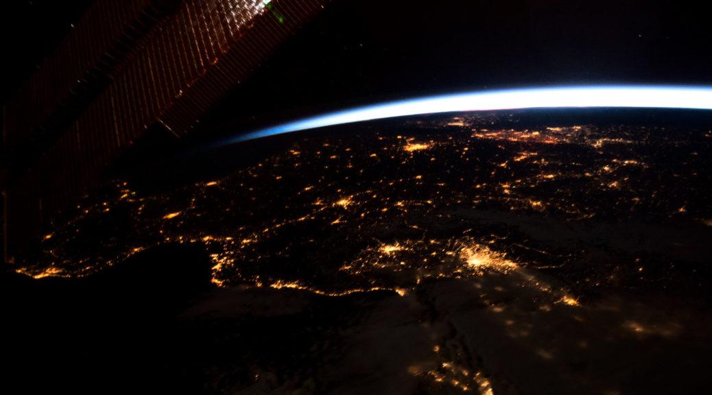 L'Europe vue de l'espace. L'on distingue parfaitement la région lyonnaise. Photographie © NASA